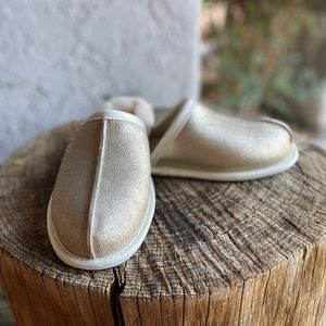 UGG Pearle Sparkle Size 6